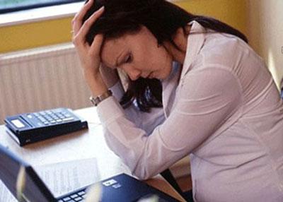 فرانس 24: زنان در کشورهای صنعتی 15 درصد کمتر از مردان حقوق دریافت میکنند