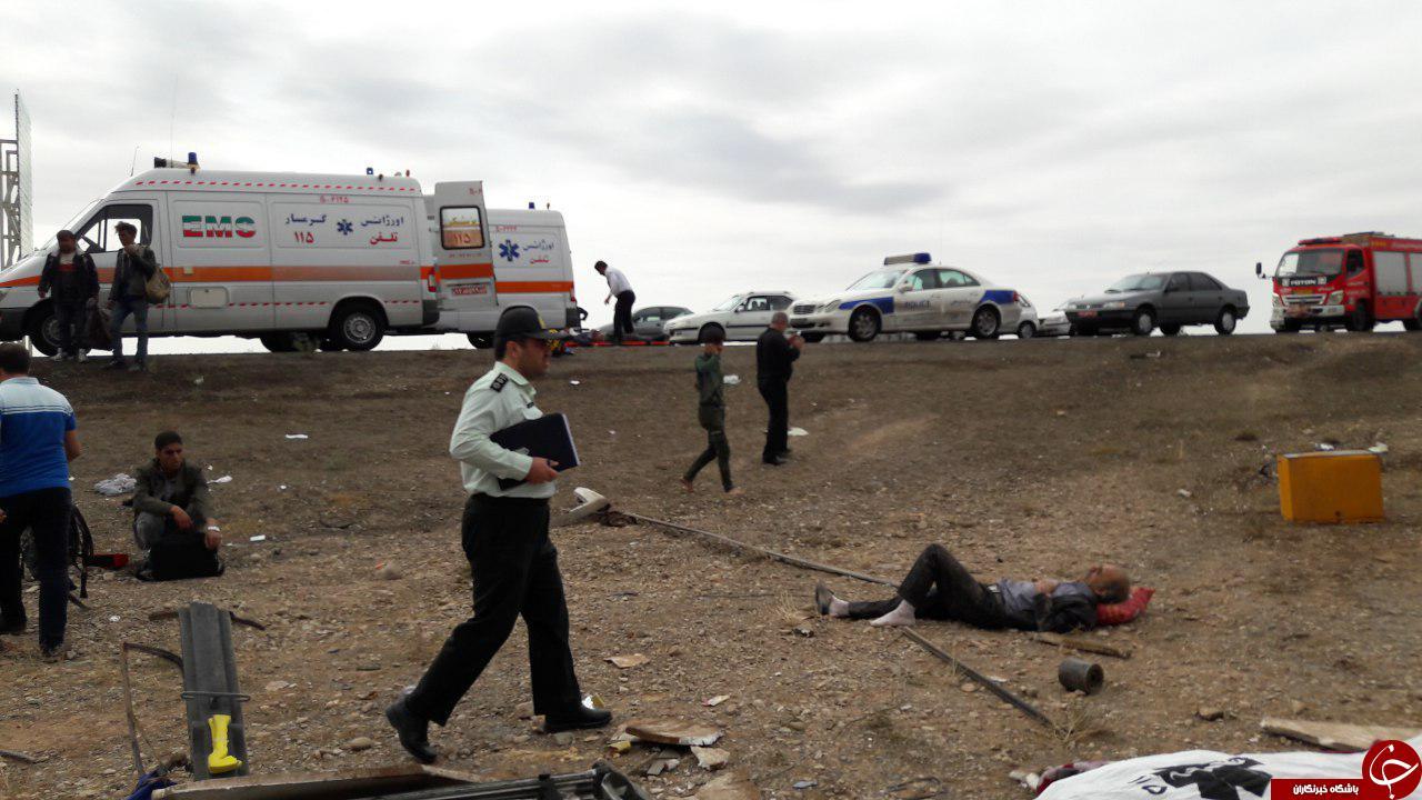 واژگونی اتوبوس جان مسافران را گرفت