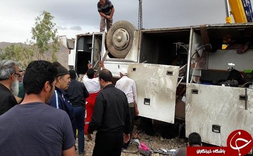 واژگونی اتوبوس در جاده گرمسار حادثه آفرید + تصاویر