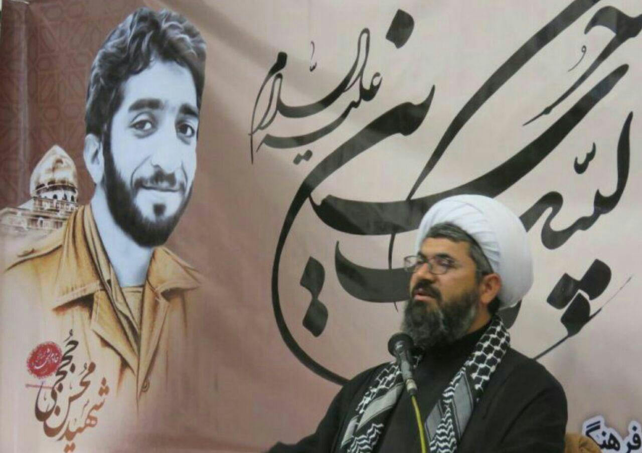 شهید حججی شهدای مدافع حرم را از غربت و تهمت در آورد