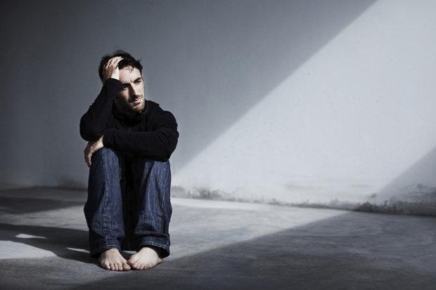 1-تلفن همراه عامل اصلی ابتلا به افسردگی در جوامع مدرن2-وقتی تلفن همراه هوشمند اعصابتان را آشفته میکند