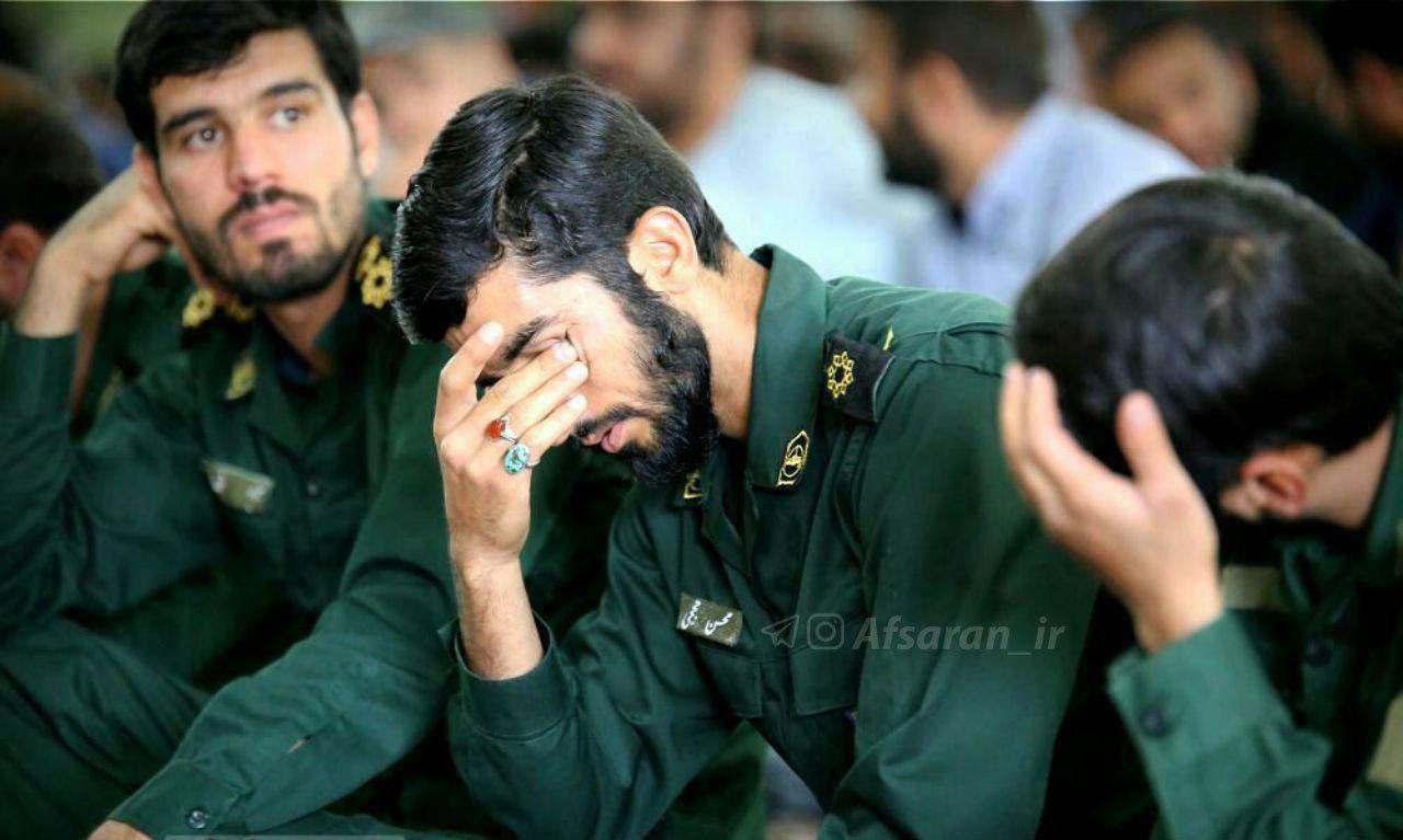 حضور شهید حججی در مراسم ترحیم یک مدافع حرم+عکس