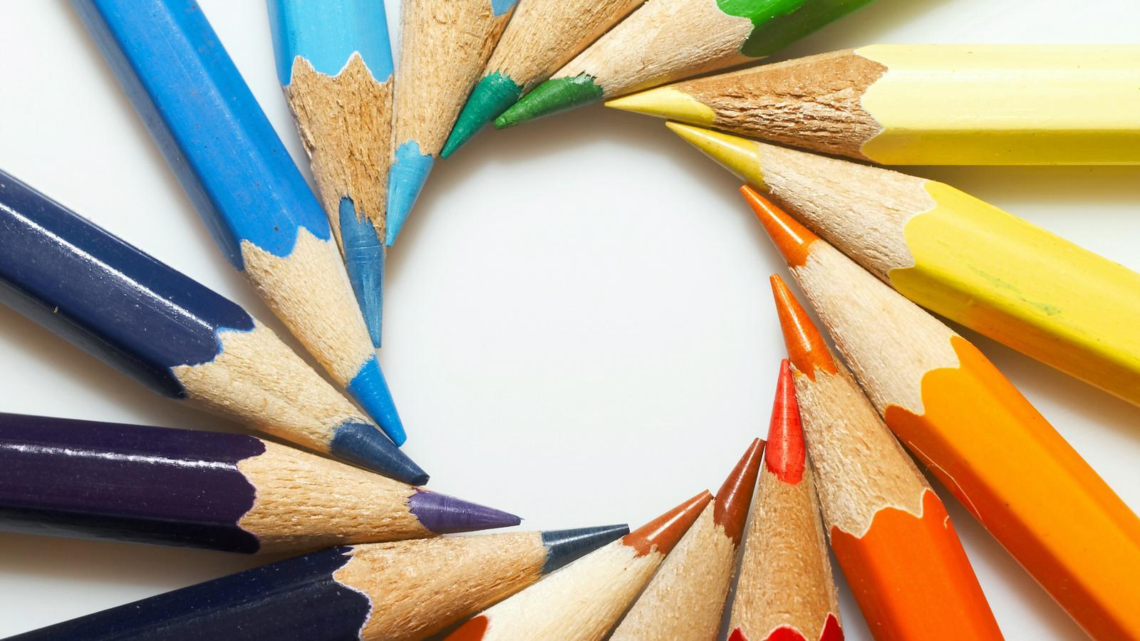 خرید مغزی مداد سیاه به ارزش 20 میلیارد ریال