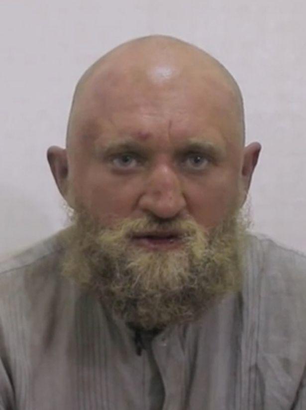 اعدام یک سرباز روس به دست داعش+عکس