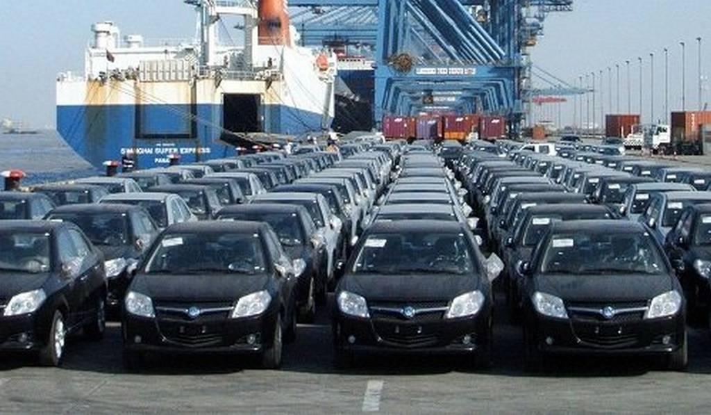 چه کسانی از توقف ثبت سفارش خودرو سود بردند؟ /شیب تند افزایش قیمت خودروهای خارجی