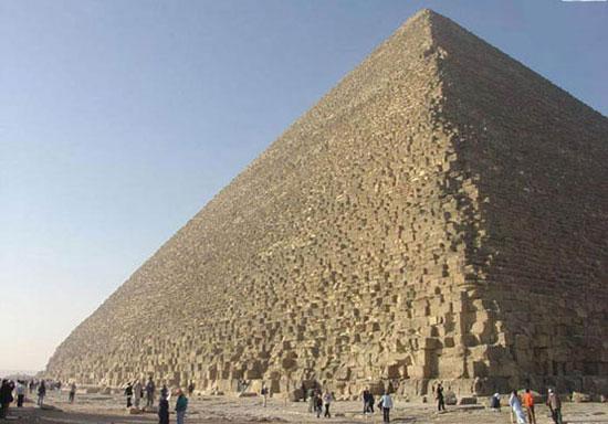معماری پر رمز و راز اهرام مصر