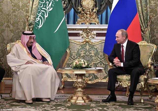 ریخت و پاش ملک سلمان در سفر به مسکو/ از پله برقی طلایی پادشاه تا 1500 همراه+تصاویر