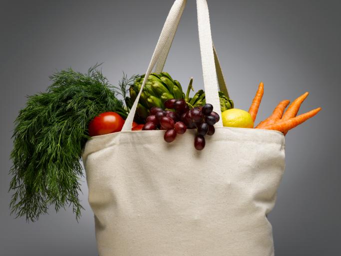 1-چگونه مواد غذایی را درفروشگاهها بسته بندی کنید تا مبتلا به بیماری نشوید2- تفکیک خوراکی ها هنگام خرید در فروشگاه ها فراموش نکنید