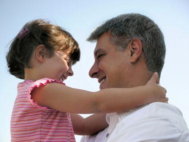 پدرانی که فرزند دختر دارند بخوانند