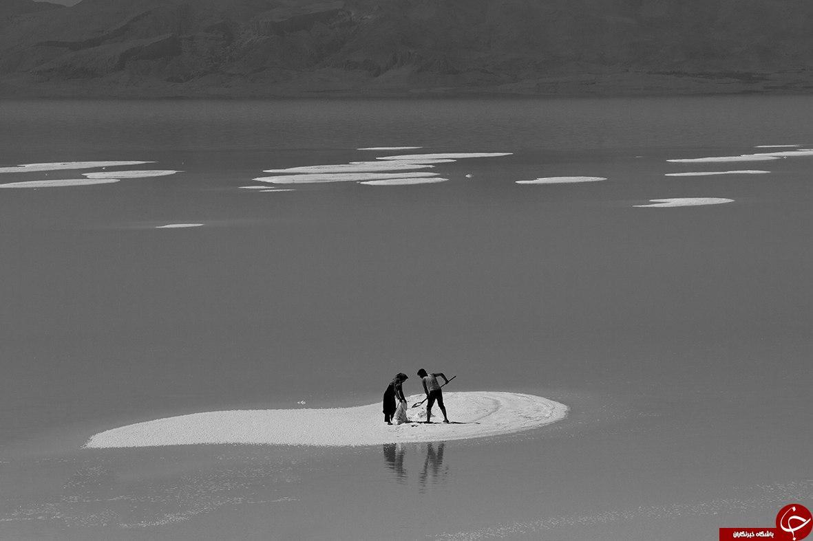 برپایی نمایشگاه عکس های دریاچه ارومیه در اصفهان