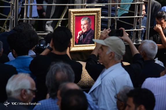 باشگاه خبرنگاران -پیکر نادر گلچین در قطعه هنرمندان آرام گرفت/ خداحافظی اهالی موسیقی با خواننده پیشکسوت