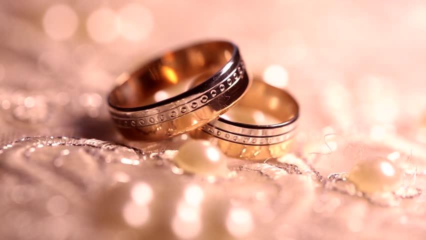 تبریک متفاوت یک مهمان در عروسی جان کودکی را گرفت+فیم