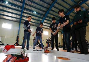 مسابقات رباتیک شرق استان گلستان در گنبدکاووس برگزار شد