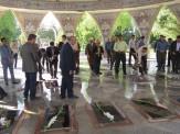 باشگاه خبرنگاران -غبار روبی و عطرافشانی مزار شهدا در ایلام