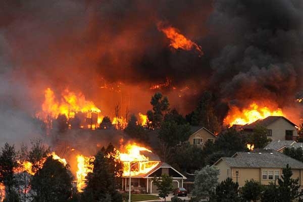 شمار قربانیان آتشسوزی مهیب کالیفرنیا به 23 نفر افزایش یافت