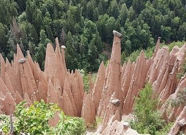 اهرام خاکی عجیب در شمال ایتالیا