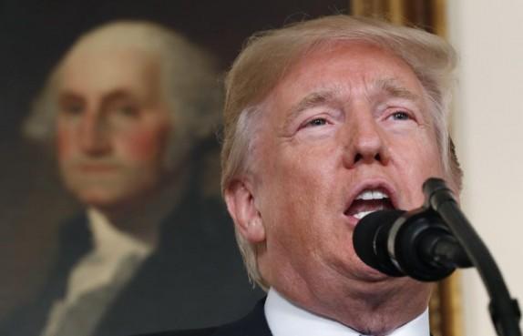 راست و دروغ ادعاهای ترامپ علیه ایران از زبان کارشناسان آمریکایی/ آیا اقتصاد ایران پیش از برجام در آستانه فروپاشی قرار داشت؟