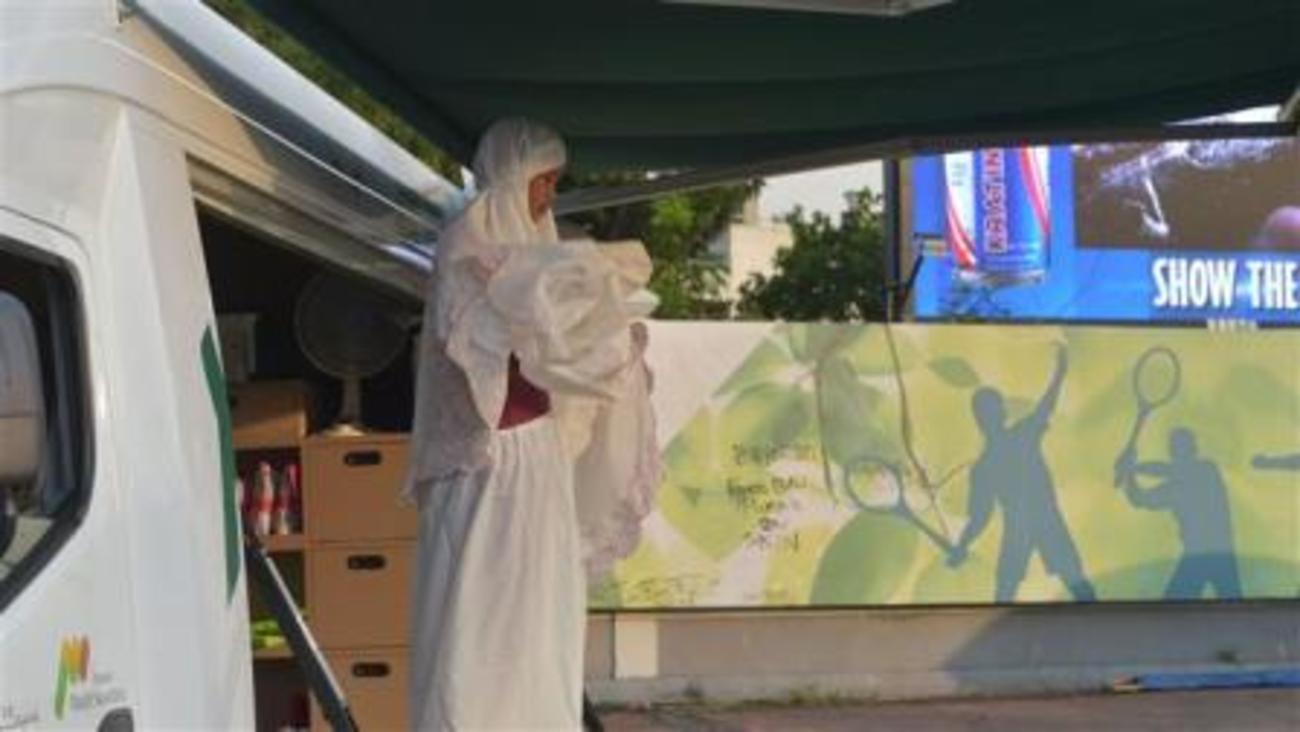 سرویسدهی مسجد سیار به نمازگزاران در اندونزی+تصاویر