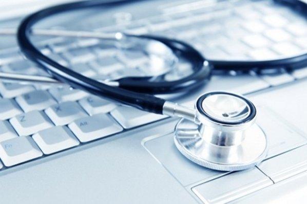 باشگاه خبرنگاران -پزشکی که برای بیماران از پدر هم مهربانتر است + فیلم