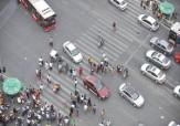 باشگاه خبرنگاران -کمک راننده اتوبوس به دو کودک برای عبور از خیابان + فیلم