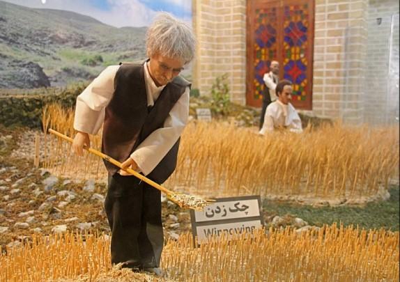 باشگاه خبرنگاران -آشنایی با مراحل پخت نان درموزه نان مشهد