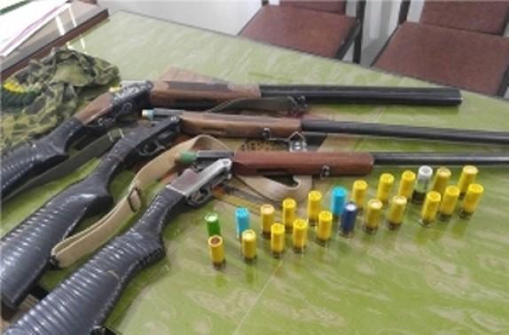 باشگاه خبرنگاران -کشف سه قبضه اسلحه شکاری در صومعه سرا