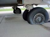 باشگاه خبرنگاران -مسدود شدن باند فرودگاه تبریز به علت ترکیدن لاستیک هواپیما