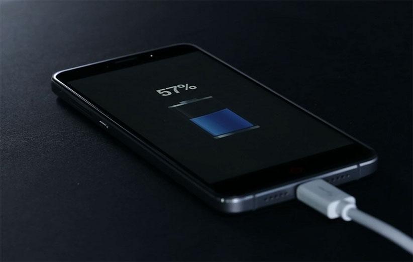 چرا نباید گوشی موبایل را شبانه شارژ کنید
