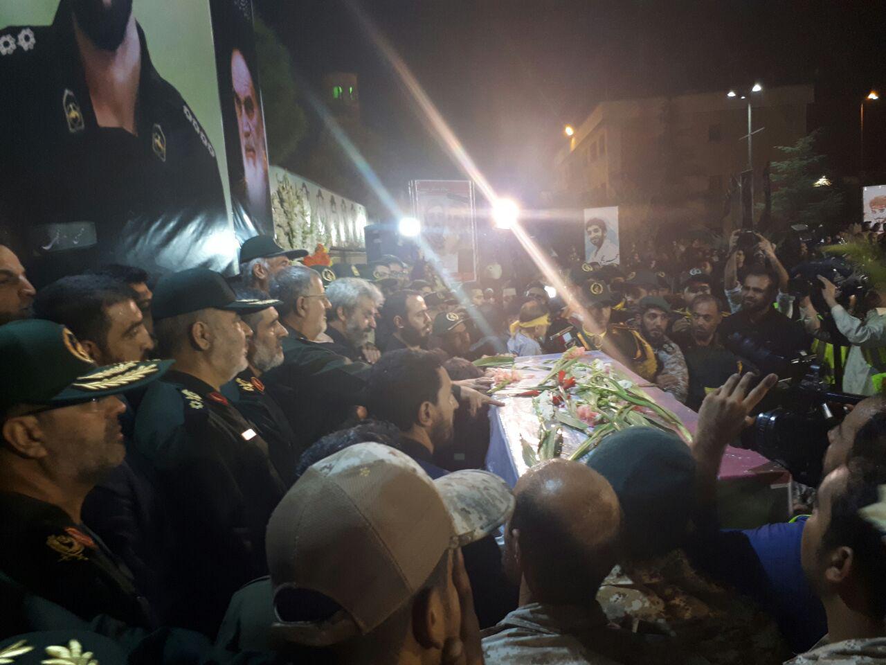 پیکر مطهر شهید مدافع حرم محسن حججی وارد تهران شد+تصاویر