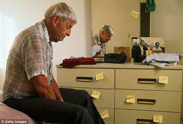 1-ژنی مرگبار که خطر ابتلا به آلزایمر را دهها برابر میکند2-اگر دارای این ژن هستید آلزایمر در سالمندی به سراغتان میآید