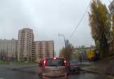 باشگاه خبرنگاران -تصادف وحشتناک دختر جوان با خودروی شاسی بلند + فیلم