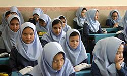 باشگاه خبرنگاران -دانش آموزان خارجی و ایرانی کنارهم مشغول تحصیل هستند