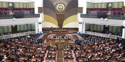 انتقاد شدید مجلس افغانستان از عدم معرفی وزرای پیشنهادی دولعت