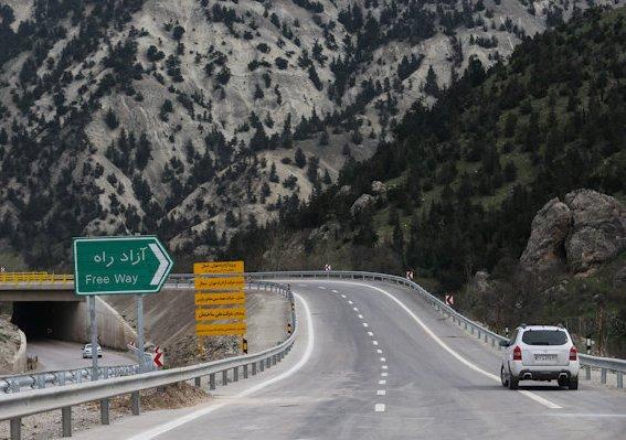 ریزش کوه عامل اصلی تاخیر در افتتاح قطعه یک آزادراه تهران- شمال/ پیشرفت ۶۰ درصدی اجرای پروژه معماری منظر در آزادراه