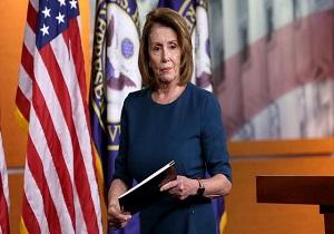 در پی یک رسوایی رئیس حزب دموکرات آمریکا استعفا کرد واکنش پلوسی به استعفای وزیر بهداشت آمریکا در پی رسوایی اخیر او