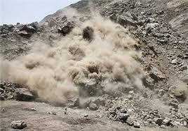 ریزش کوه در منطقه بایجان جاده هراز با ۵ مصدوم