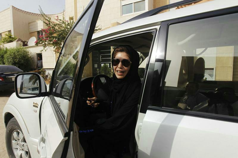 بازداشت مرد سعودی به جرم تهدید رانندگان زن/ بیانیه دادستان عربستان درباره هرگونه تهدید علیه رانندگان زن