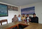 باشگاه خبرنگاران -اهدا کلنگ سفید به فدراسیون کوهنوردی نپال با حضور کوهنورد لرستانی