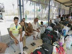 سوء مدیریت گمرک پاکستان، زائرین را در آن سوی مرز سرگردان کرد