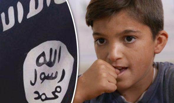 خاطرات کودکان ایزدی از سلطه داعش/ ما را وادار کردند با سربریده فوتبال بازی کنند