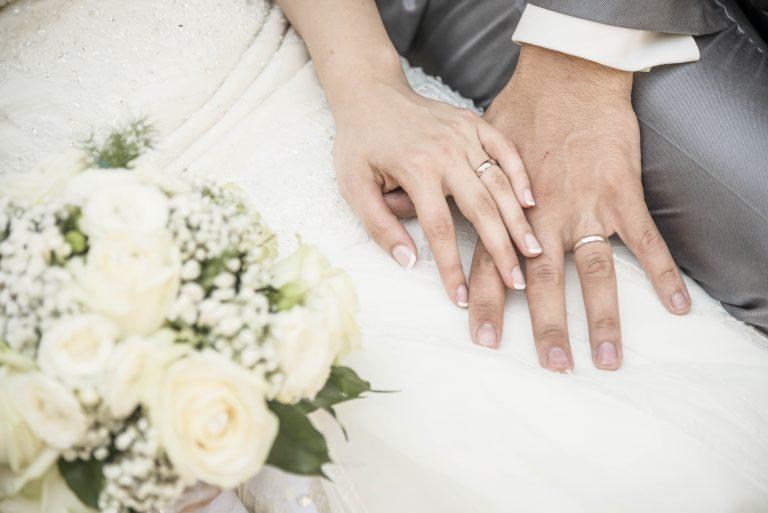 عروس و دامادهای یک شبه/ رویایی که رسیدن به آن زندگی دختران جوان را بر باد می دهد
