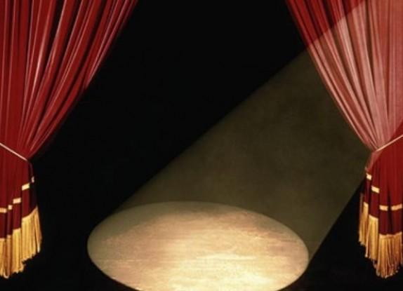در جدال میان سینما و تئاتر چه کسی پیروز است؟
