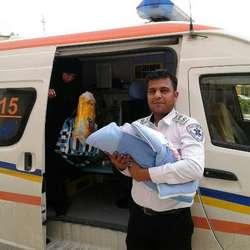 نوزاد قلعه گنجی در آمبولانس بدنیا آمد