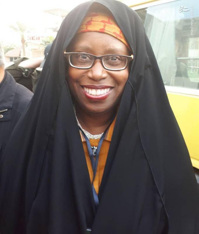 نماینده زن کنگره آمریکا در پیادهروی اربعین+ عکس