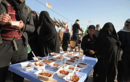 باشگاه خبرنگاران -ارائه روزانه 50 هزار پرس غذا بین زائران حسینی در مرز مهران + فیلم