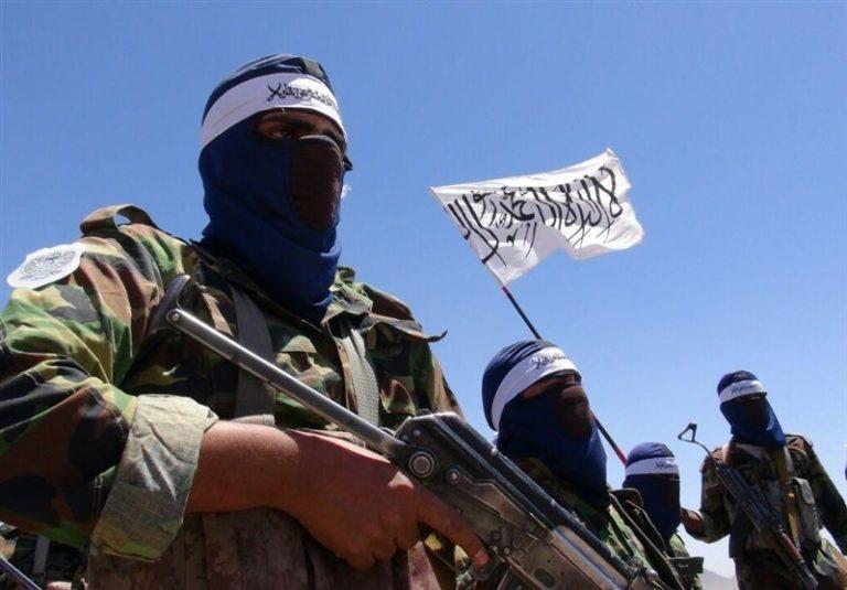 طالبان کمک های بین المللی برای آوارگان غور را تصرف کردند!