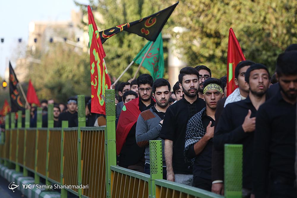 دستههای عزاداری دانشجویی عازم حسینیه امامخمینی(ره) شدند