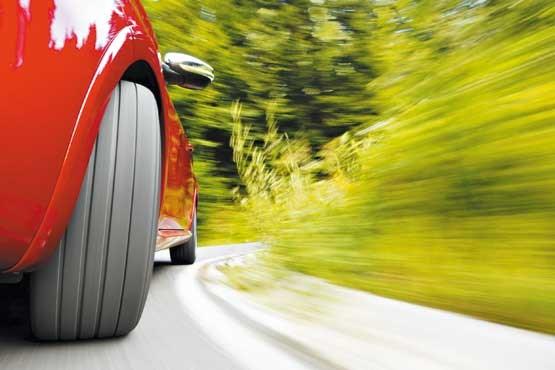 نشانه های پنچر شدن تایر اتومبیل در حین رانندگی