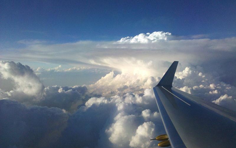کارهایی که در هواپیما هرگز نباید انجام دهید!