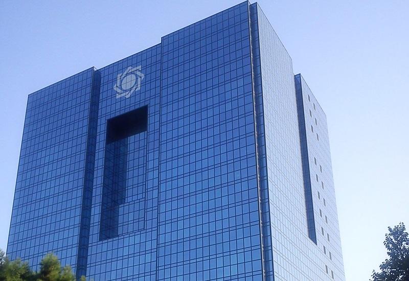 بانکداری بدون ربا اجرا نشده است/ دولت سیاستهای خود را به بانک مرکزی تحمیل میکند.